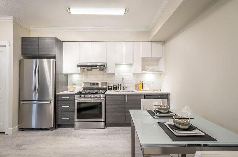 Photo-Gallery-residential-app18-lindbergh-led-linear-flush-mount.jpg