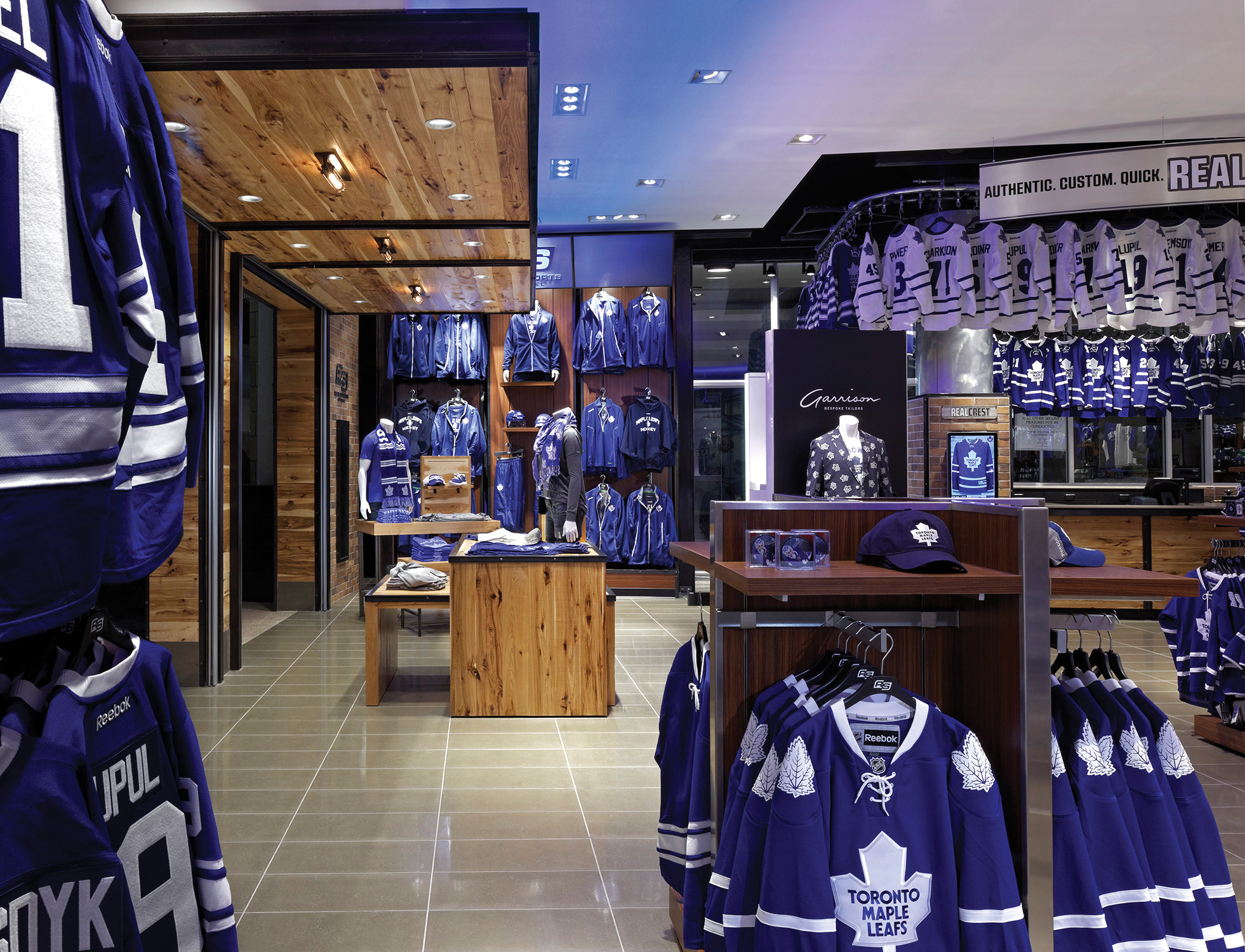 JU_MAPLE LEAFS STORE_4_AP.jpg
